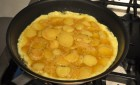 Cooking a Spanish tortilla